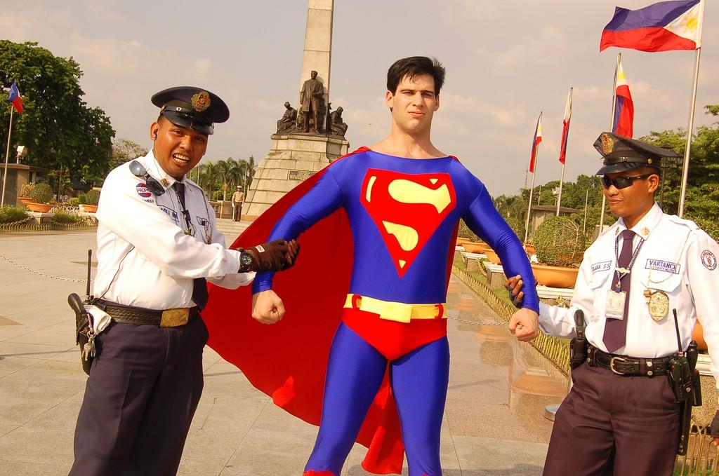 superman arrestet_ T K